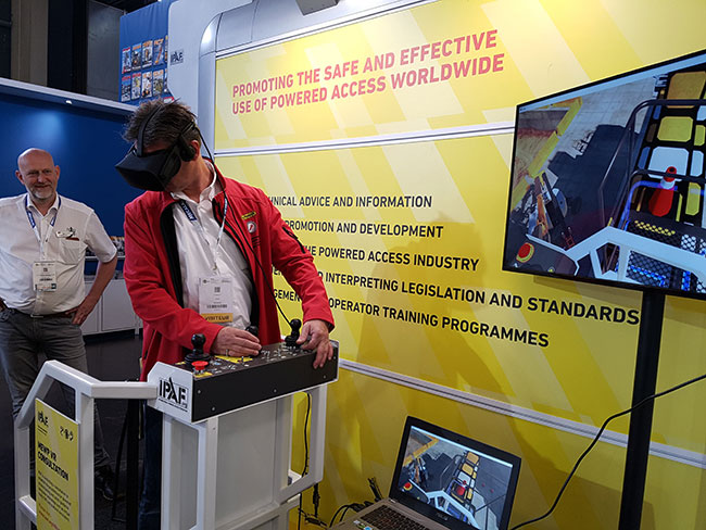 Close to reality – VR gains acceptance as a lift training solution